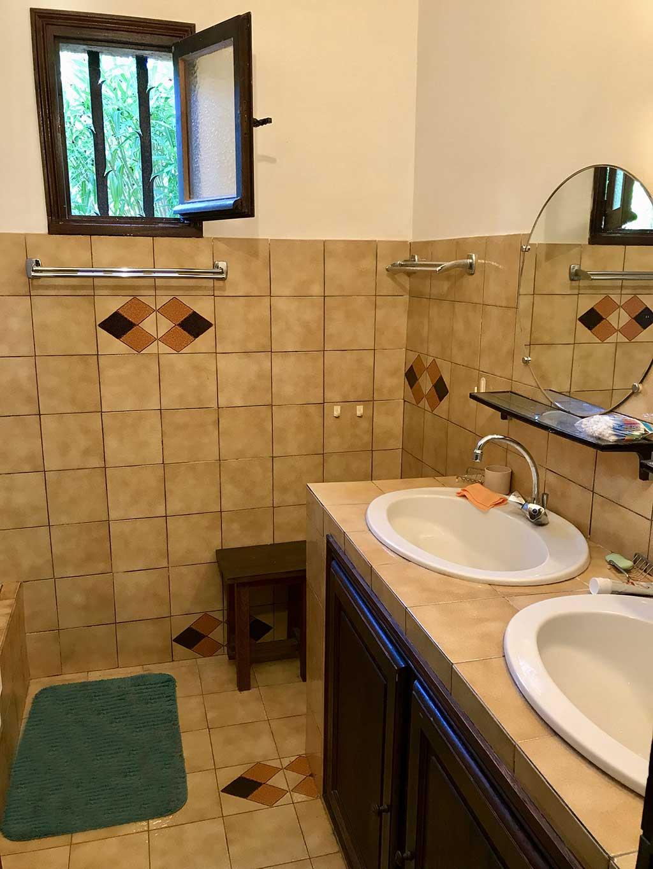 Salle De Bain Ajaccio ~ salle de bain 2 vasques avec une douche et s che serviettes golfe